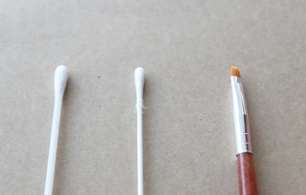 まつ育!ケアプロストを塗る道具はなるべく細いものがおすすめ!